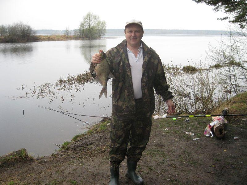 есть ли база охотника рыболова
