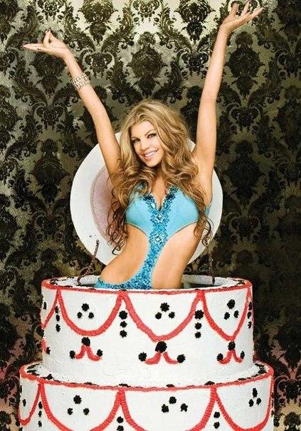 Поздравления с днем рождения девушка из торта