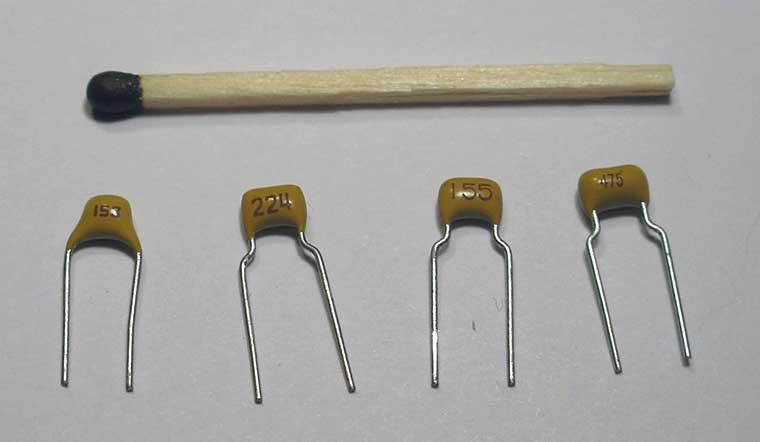 Vano_13 Для обманки нужен неполярный конденсатор.  Напряжение на сигнале лямбда зонда примерно 1 вольт...