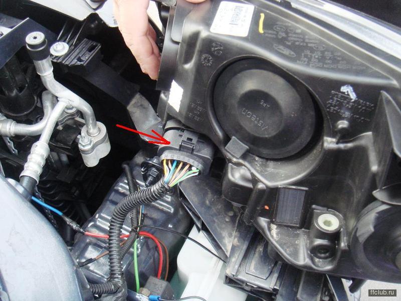 цоколь в туманка ford focus 2