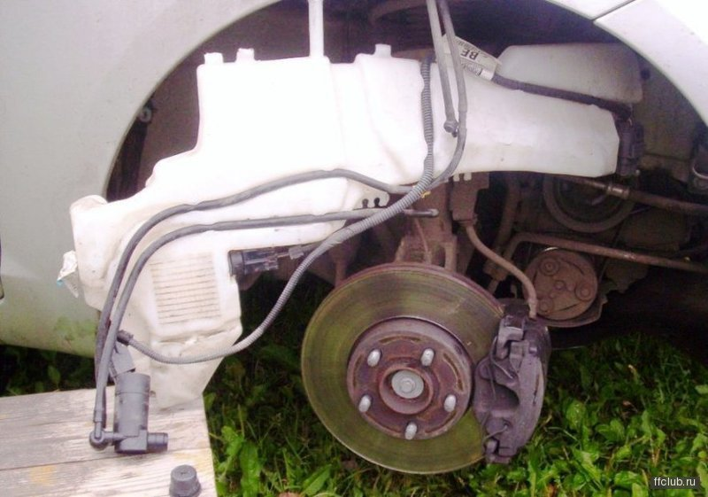 8356801. tonio- ну ты подумай что дешевле.. бонаква либо чистка бочка омывателя от слизи.  Ford C-MAX.