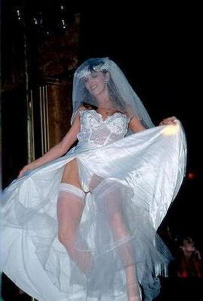 Гламурные и развратные невесты, анал с длинноногой блондинкой смотреть онлайн